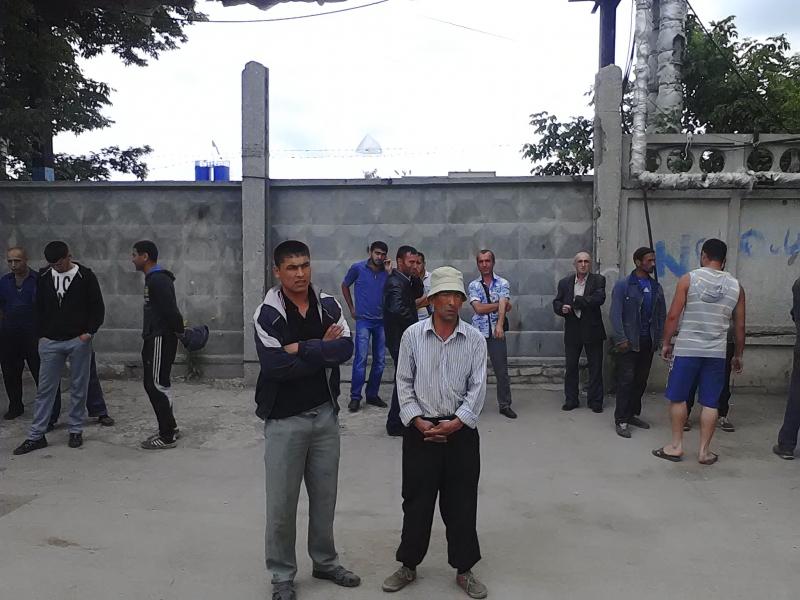 Самарские власти нашли работу 600 узбекам, застрявшим на границе региона