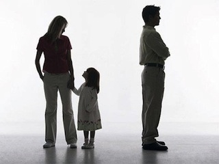 Россиян обязали обеспечивать ребенка жильем после развода