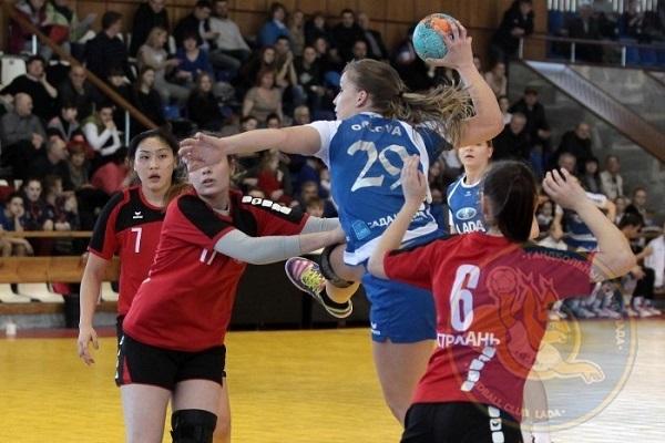 Гандболистки «Лады» проиграла полуфинал «Астраханочке» и сыграют за «бронзу»