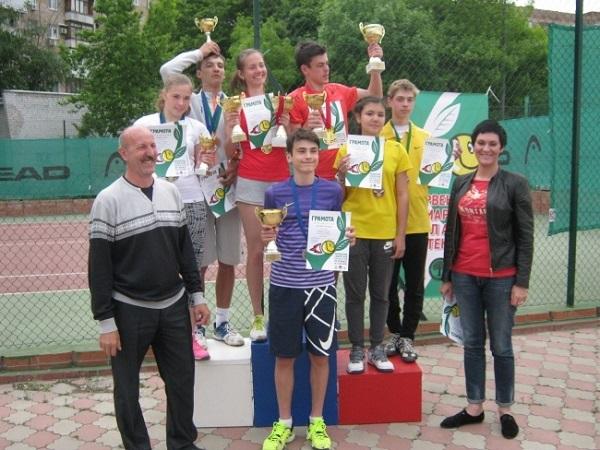 Тольяттинские теннисисты заняли весь пьедестал в «Первенстве Самарской области»