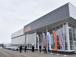 Цена нового легкового автомобиля LADA превысила полмиллиона рублей
