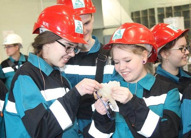 Школьники Тольятти познакомились с производством синтетического каучука