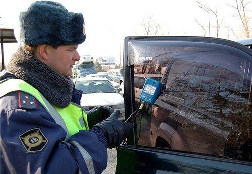 Инспекторы ГИБДД вновь выявили чрезмерно «затонированных» водителей