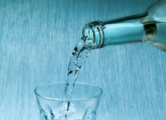 Чиновники хотят добавлять в метиловый спирт денатурат, вызывающий рвоту