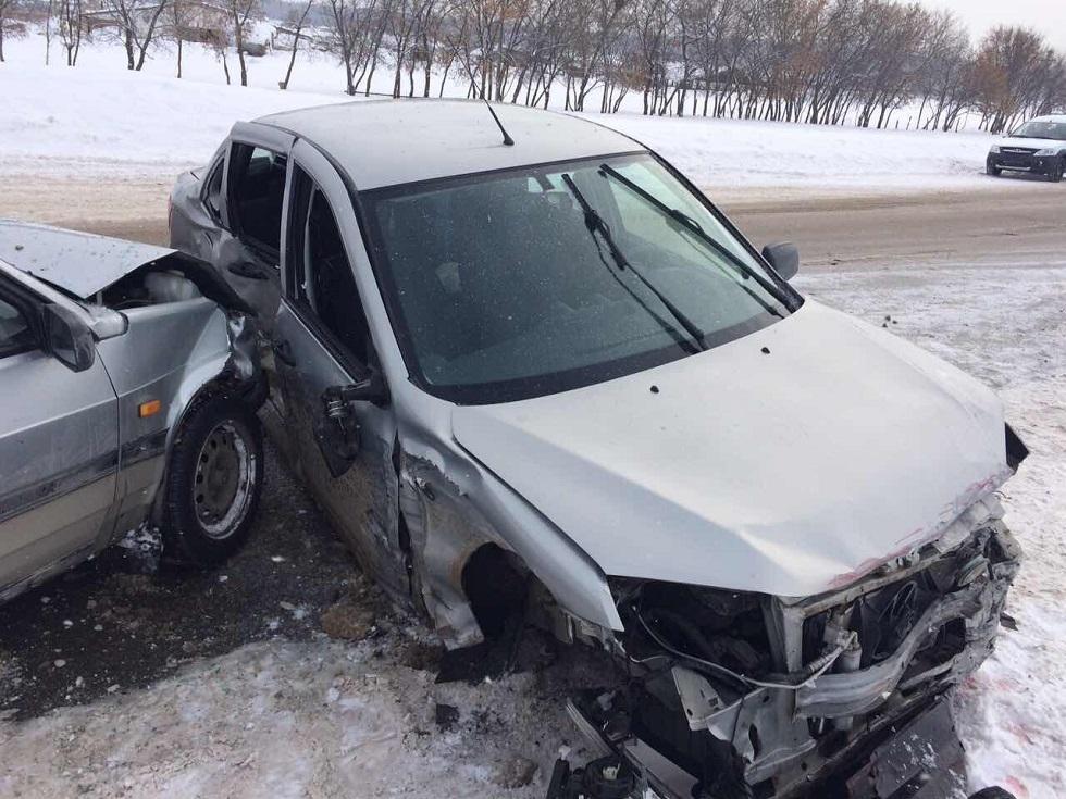 Под Тольятти произошло ДТП с четырьмя автомобилями (фото)