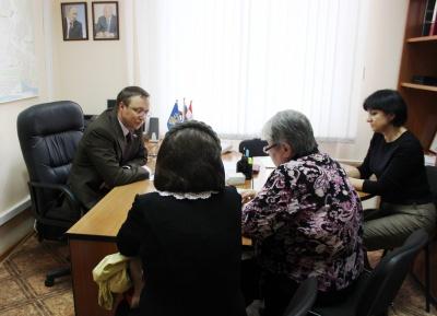 За решением проблем тольяттинцы пришли к председателю Думы