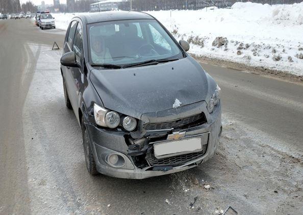 На проспекте Степана Разина 75-летний водитель устроил аварию с пострадавшей