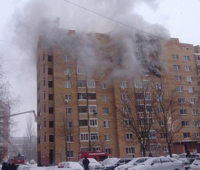 На Цветном бульваре горела квартира. Пострадала 77-летняя женщина (фото)