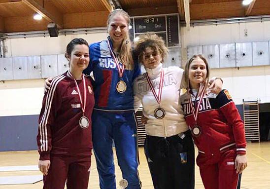 Воспитанница тольяттинской школы фехтования Анна Башта победила в Вене
