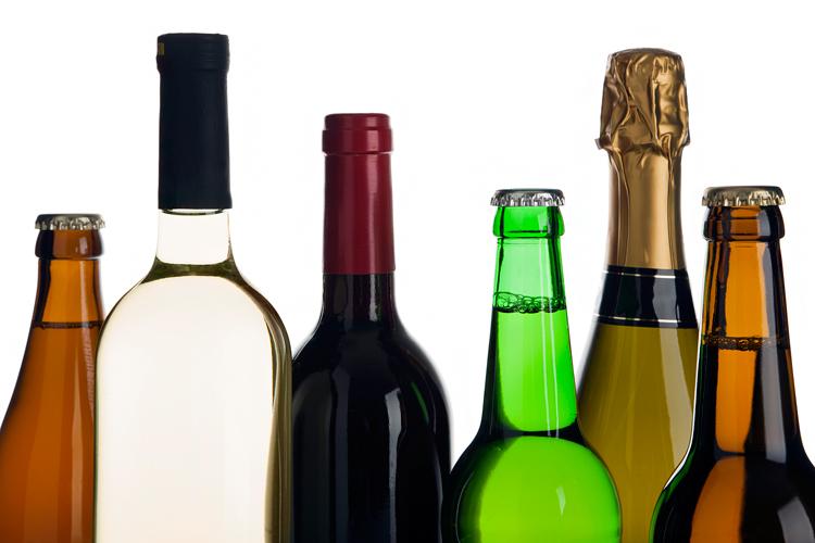 Минздрав: Россияне стали пить в два раза меньше
