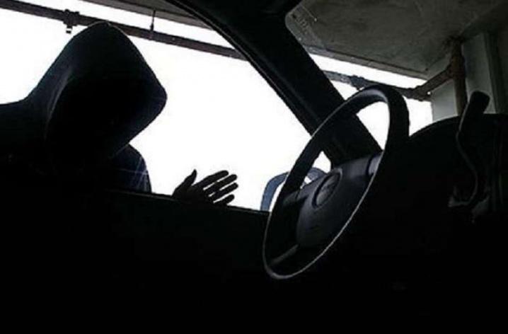Житель села украл у тольяттинца машину, но не успел ее разобрать и продать