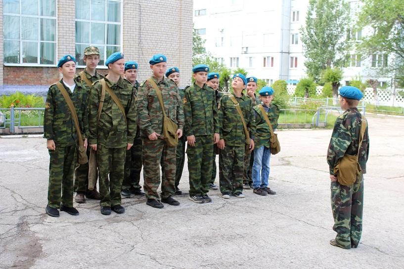 В России за каждой школой предлагают закрепить воинскую часть