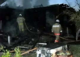 Тольяттинские пожарные тушили дачный дом в СНТ «Автомобилист»