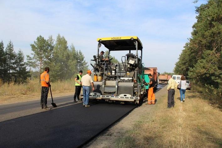 Специалисты и общественники проверили ремонт дороги на улице Раздольная