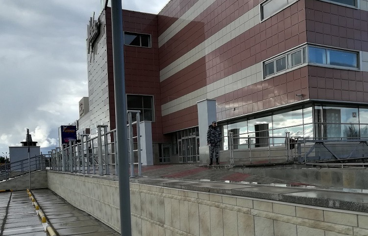 Проводится эвакуация в ТРК «Капитал», ТРК «Вега» и на рынке «Журавль» (фото)