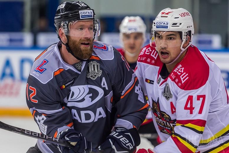 На следующей неделе хоккейная «Лада» проведет «внезапный» домашний матч
