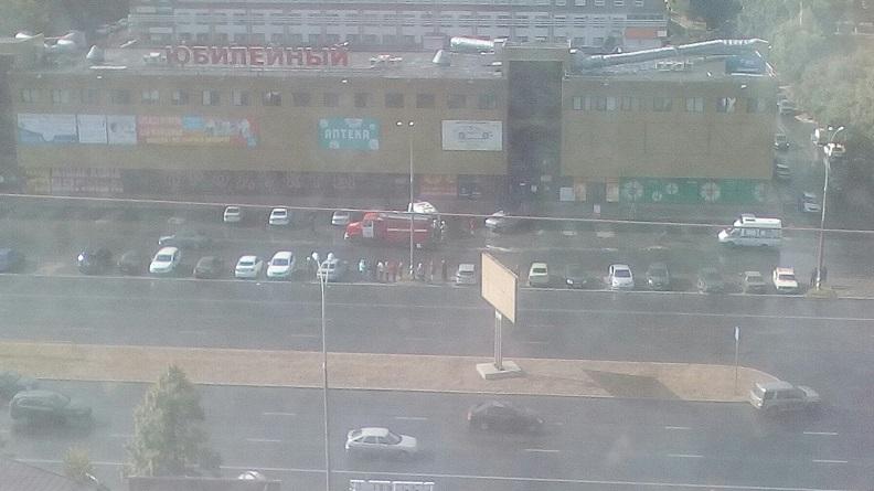 В Тольятти из торговых центров эвакуируют граждан (фото)