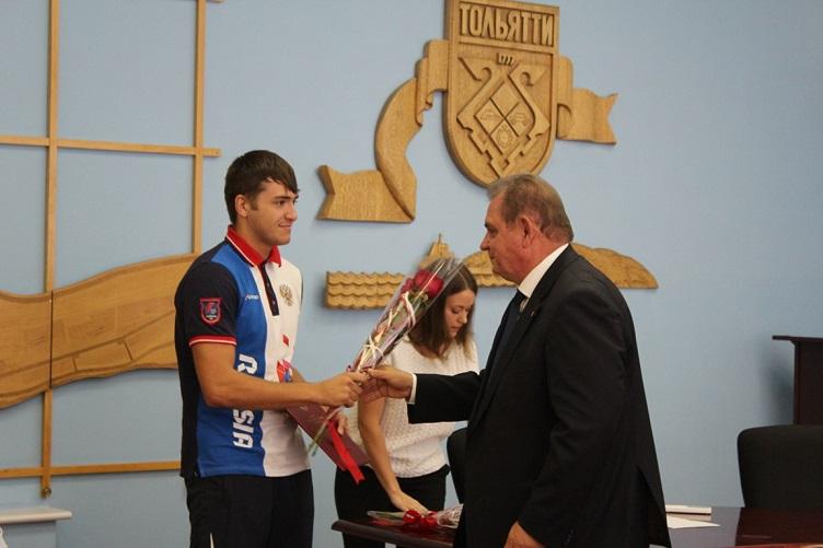 Победители 23-х Сурдлимпийских летних игр получили награды в администрации Тольятти