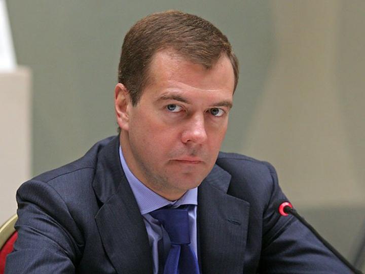 Настоящие заработной платы вРФ возрастут натри процента порезультатам года— Медведев