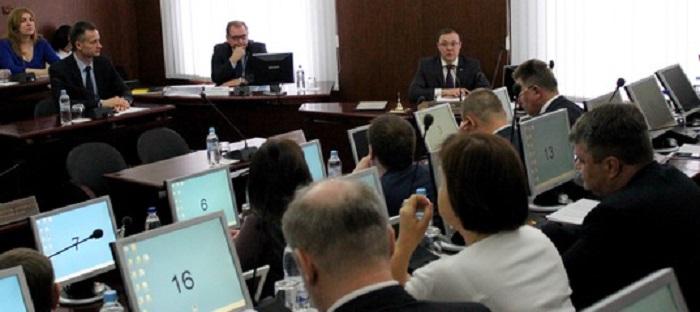 «Нашли золотую середину»: Принят бюджет Тольятти с дефицитом в 235 млн