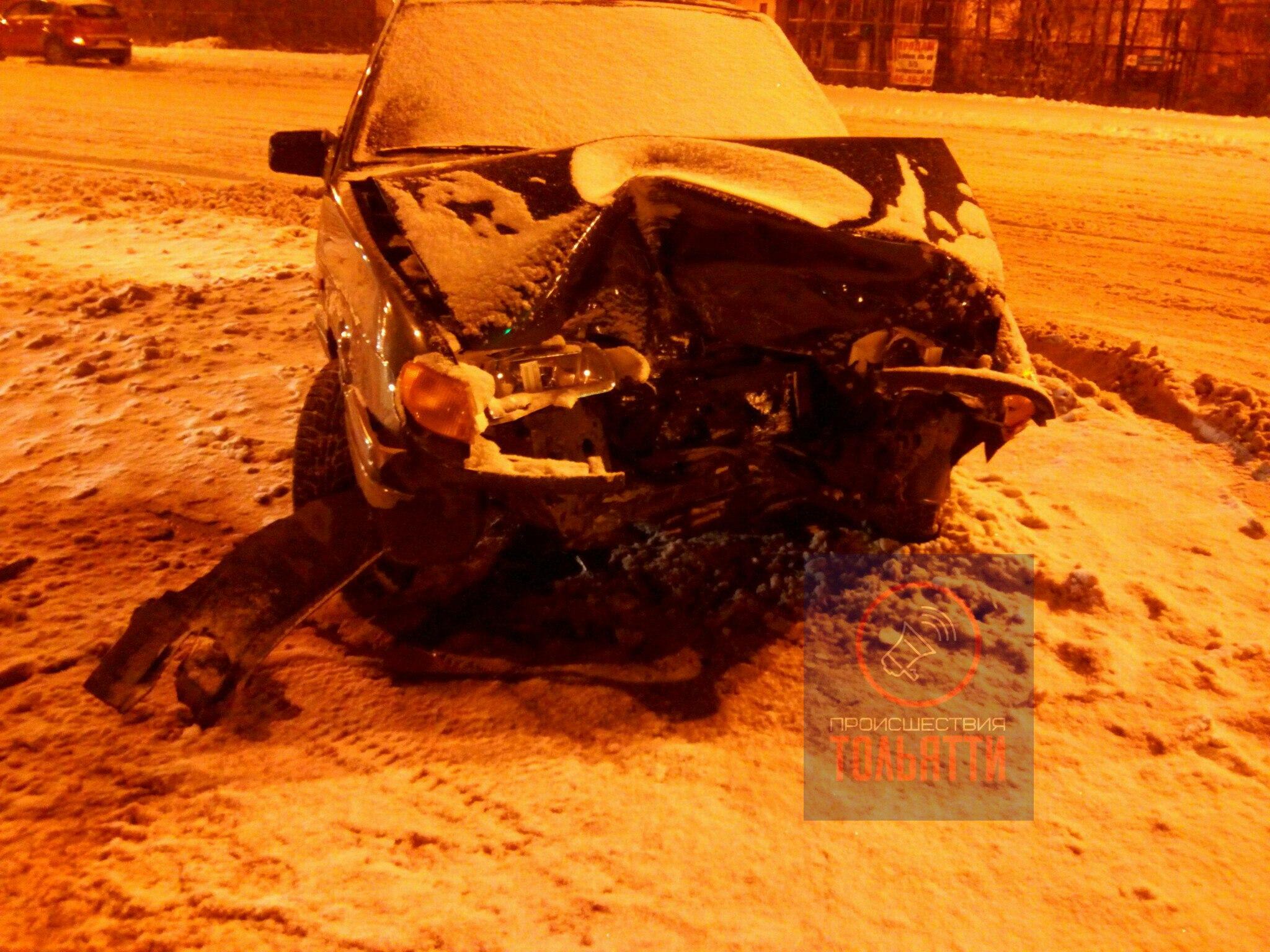 В ДТП у «Парк Хауса» пострадал водитель «Лады» (фото)