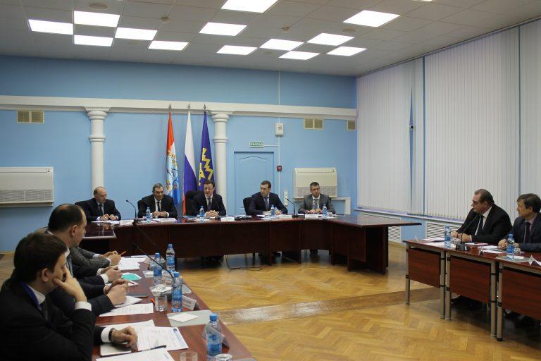Дмитрий Азаров, Сергей Анташев и представители ПАО «Новатэк» обсудили создание в регионе 3,5 тыс. новых рабочих мест
