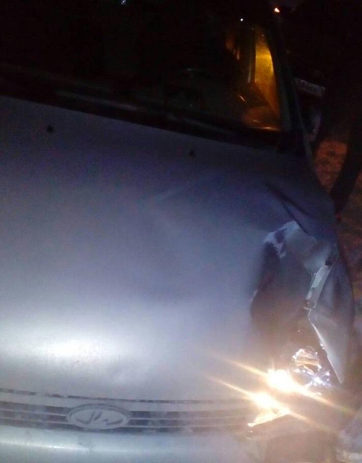 ВТольятти «Калина» сбила насмерть водителя, стоящего наобочине