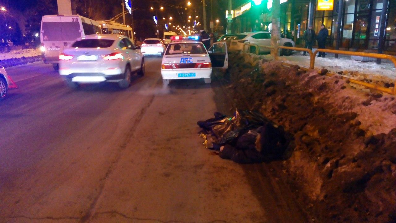 Наулице Мира вТольятти микроавтобус насмерть сбил 85-летнего мужчину