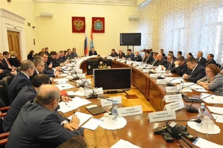 Дмитрий Азаров потребовал от властей Тольятти объяснить горожанам плюсы строительства нового завода железобетонных изделий