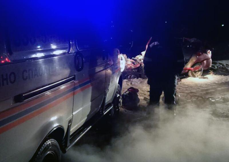 Смертельное ДТП вСтавропольском районе между угнанным легковым автомобилем и фургоном