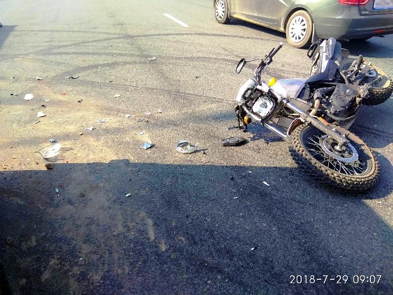 Мотоциклист без прав врезался в «УАЗ» на трассе М-5 под Тольятти