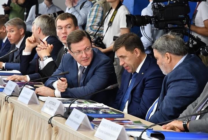 Дмитрий Азаров: «Предложения жителей учтут при формировании концепции наследия ЧМ-2018»