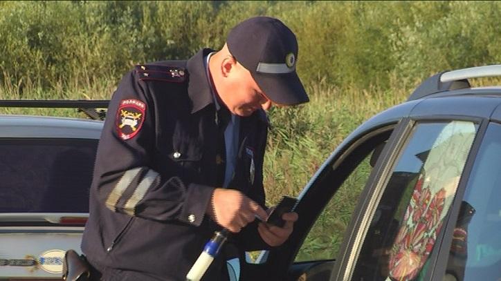 На дорогах под Тольятти будут ловить плохо видящих водителей