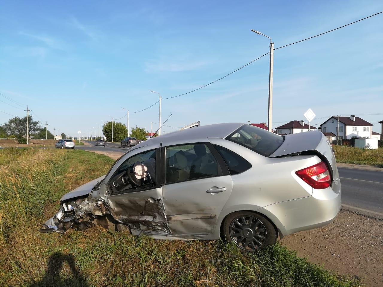 В Тольятти в аварии трех авто пострадал человек