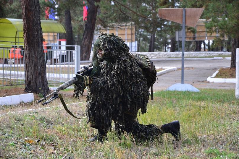 «Не каждый снайпер – это отличный стрелок»: Снайперы со всего Приволжского округа устроили стрельбы в Тольятти