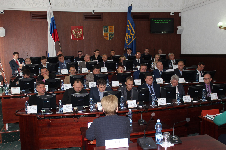 Пошли на компромисс: В тольяттинской гордуме избрали руководящий состав