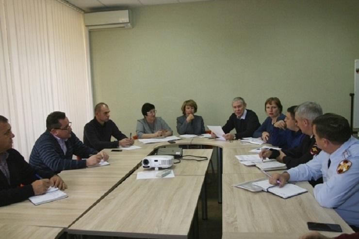 В администрации обсудили проверки школ и эвакуацию в тольяттинском лицее