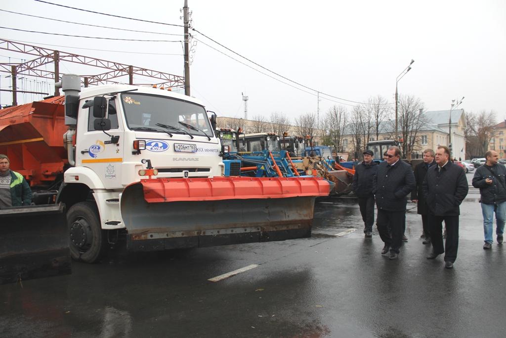 150 спецавтомобилей будут убирать снег с улиц Тольятти предстоящей зимой