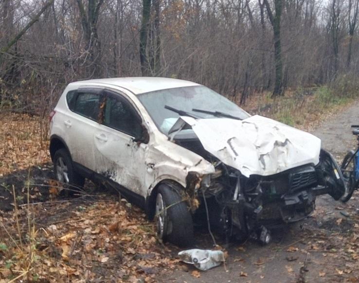 В Тольятти девушка разбила иномарку и бросила ее в лесу
