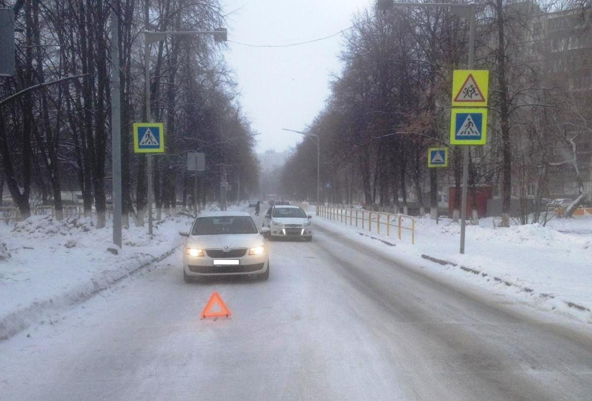 Сбила возле школы: Стали известны подробности наезда на маму с ребенком в Тольятти