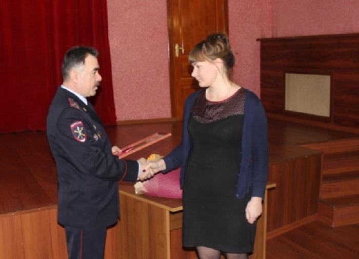 Тольяттинка получила награду за помощь полицейским