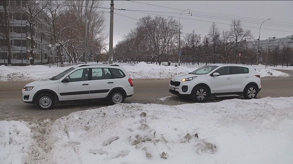 Утром из-за невнимательного водителя произошла авария и наезд на пешехода
