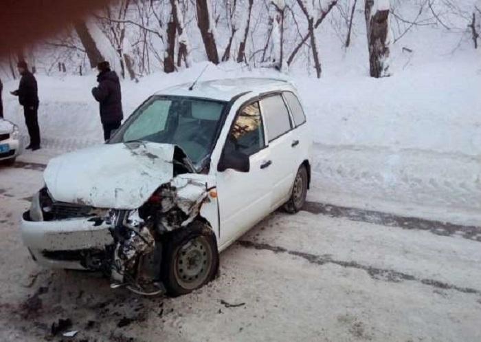 В Жигулевске в лобовом столкновении «Калины» и «Газели» травмирована женщина