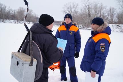 Инспекторы Центра ГИМС проводят патрулирование водоемов Самарской области