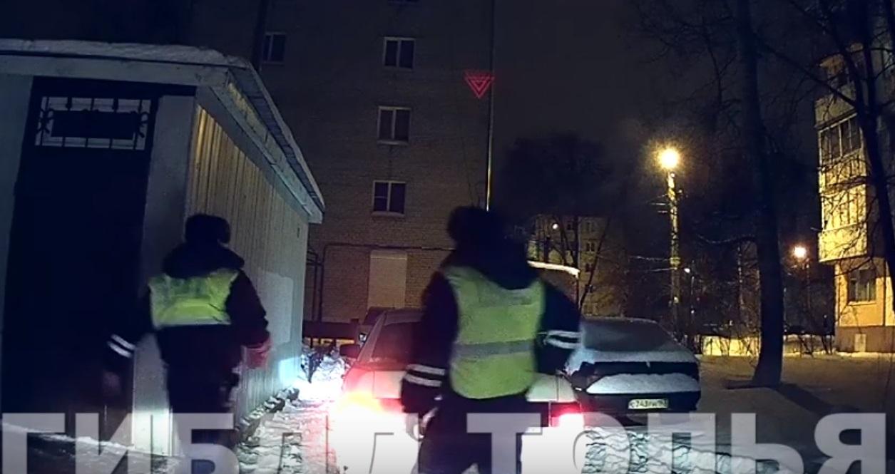 «Ночной патруль» и ДПС поймали в тольяттинском дворе пьяного водителя