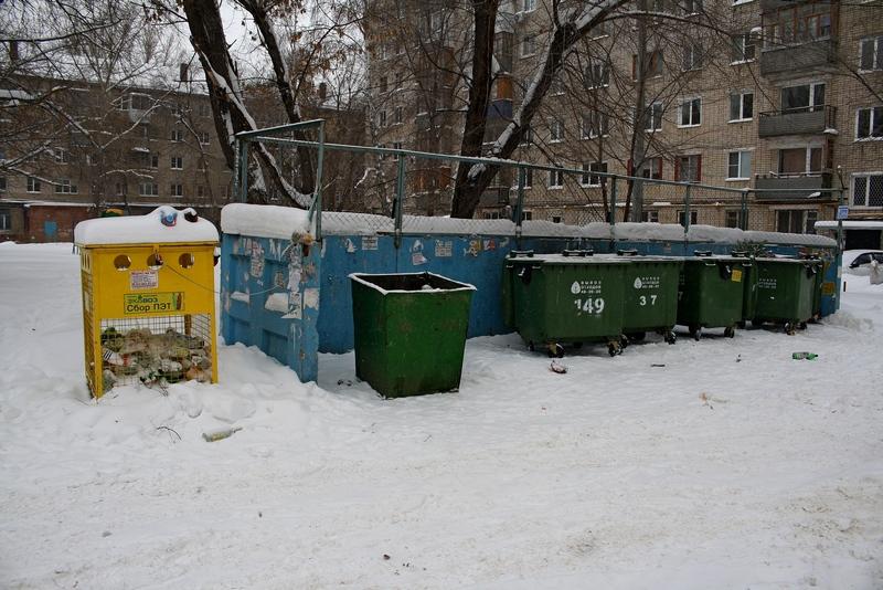 Неизвестные воруют в Тольятти контейнеры для сбора ПЭТ-тары