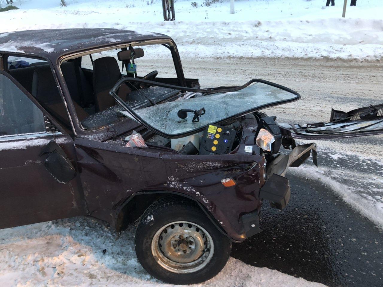 Три человека пострадали в жестком ДТП в Жигулевске