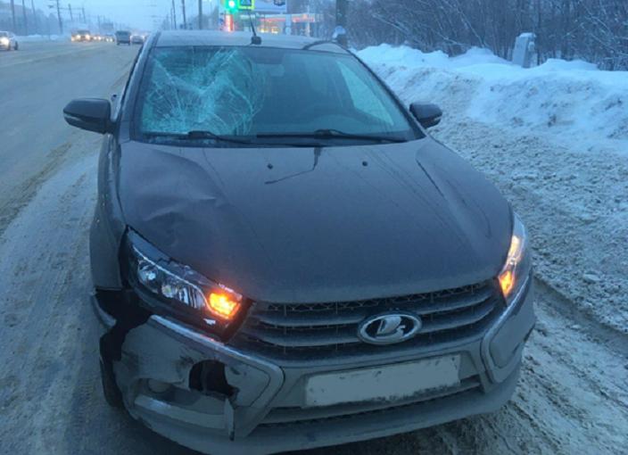 Пошел на красный: На Южном шоссе «Веста» сбила пешехода