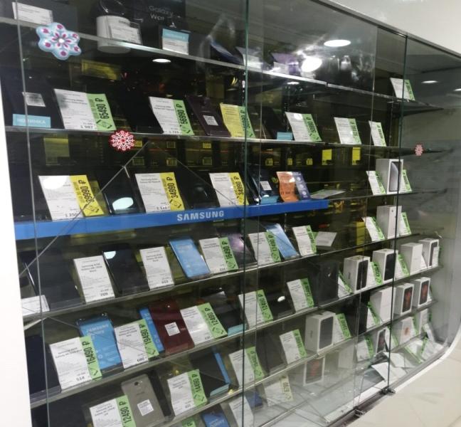 Вор вынес из тольяттинского магазина 19 телефонов на 500 тысяч рублей