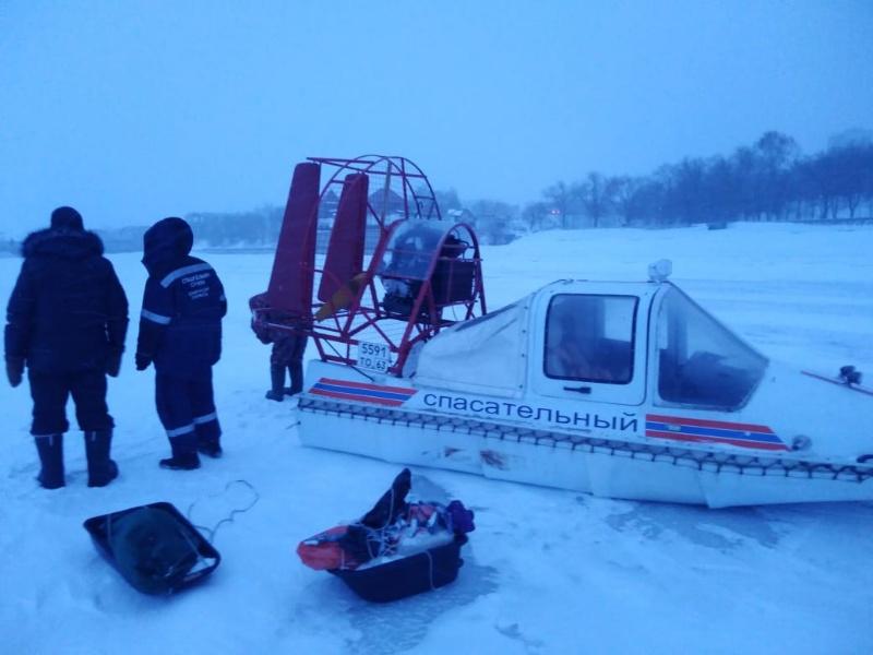 В Самарской области спасатели эвакуировали 24 человека с места рыбалки